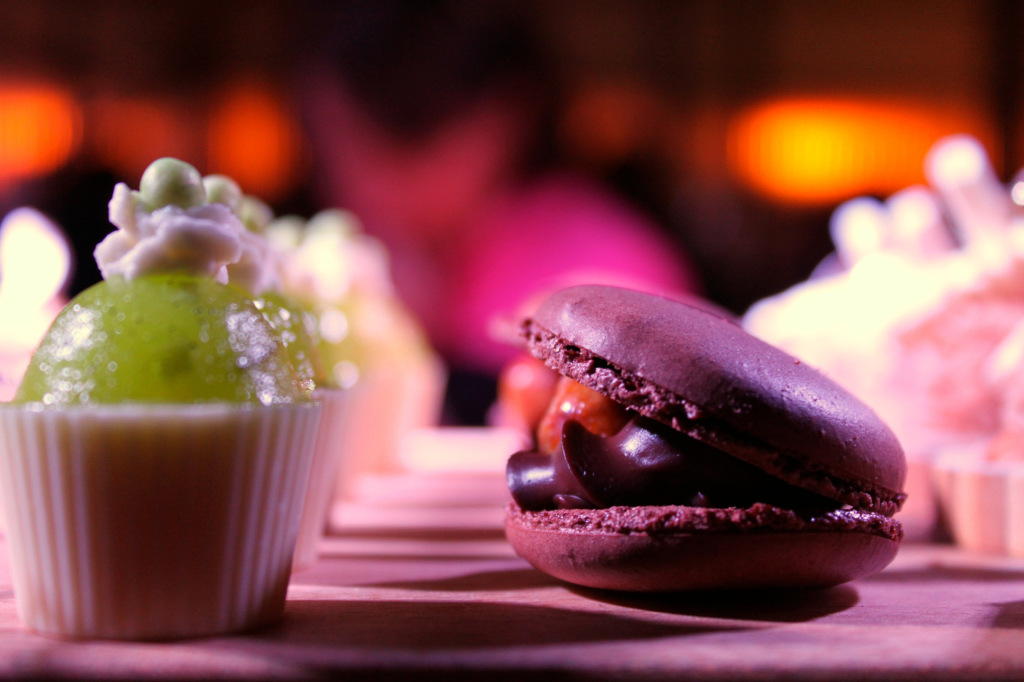 "Chocolate Macaroon and Apple ""Cupcake"". Photo by Annie Shreeve"