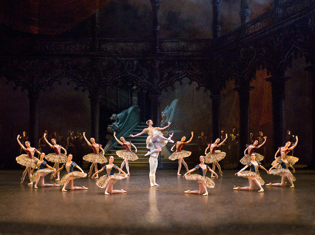 Paquita. Opera de Paris. Photo Christian Leiber