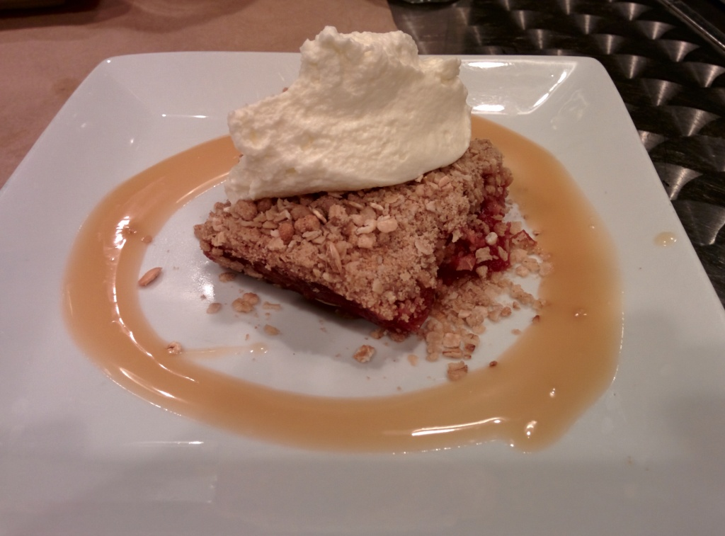 Cranberry Apple Crumble. Montreal Brewing Co. Photo Esther Szeben