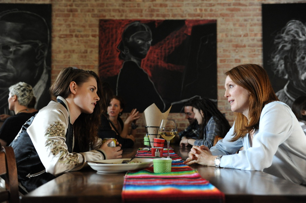 Left to right: Kristen Stewart as Lydia and Julianne Moore as Alice in the movie STILL ALICE, directed by Richard Glatzer. Photo Credit: Jojo Whilden