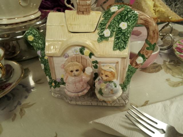 Cottage Tea Pot at Mlle Clifford's. Photo Stephanie Weiner