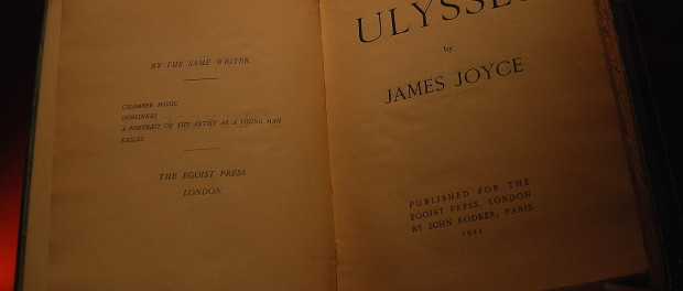 A printing of Joyce's novel Ulysses (c. 1923). Photo credit: Paul Hermans/Wikimedia Commons.