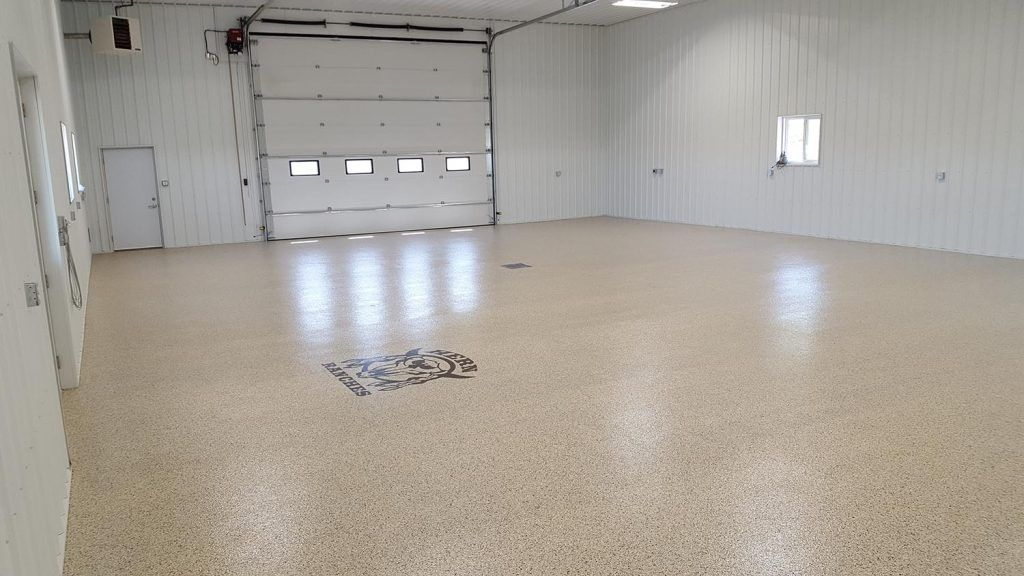 herns-ranches-epoxy-flake-flooring-2-1024x576