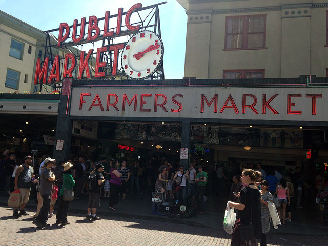 colors of pike place market