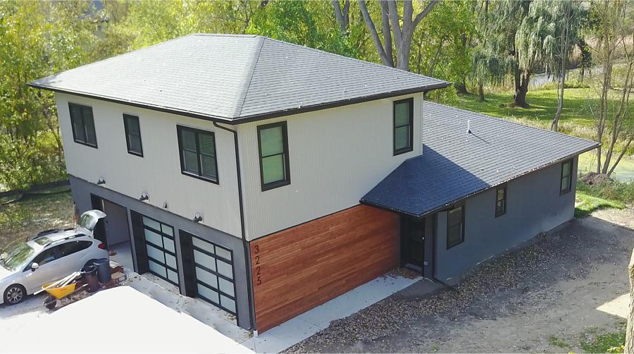Contemporary Home Construction - Fenton Lakes Building & Design