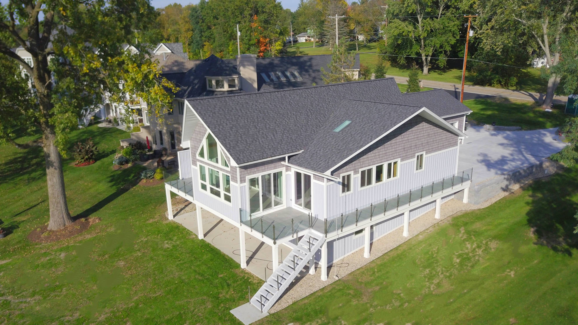 Scandinavian_Modern-Lake_House1-Fenton_Lakes_Building