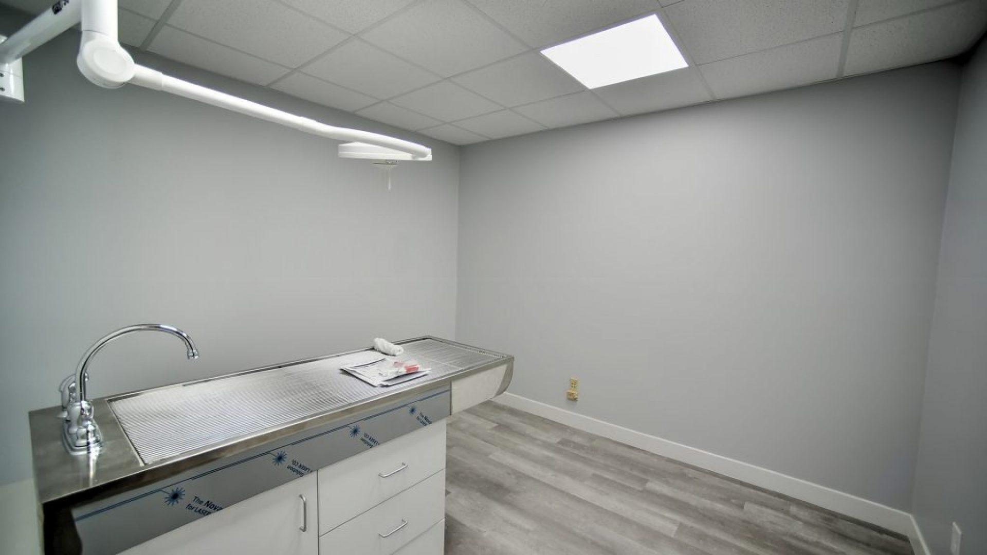Vet Office-5