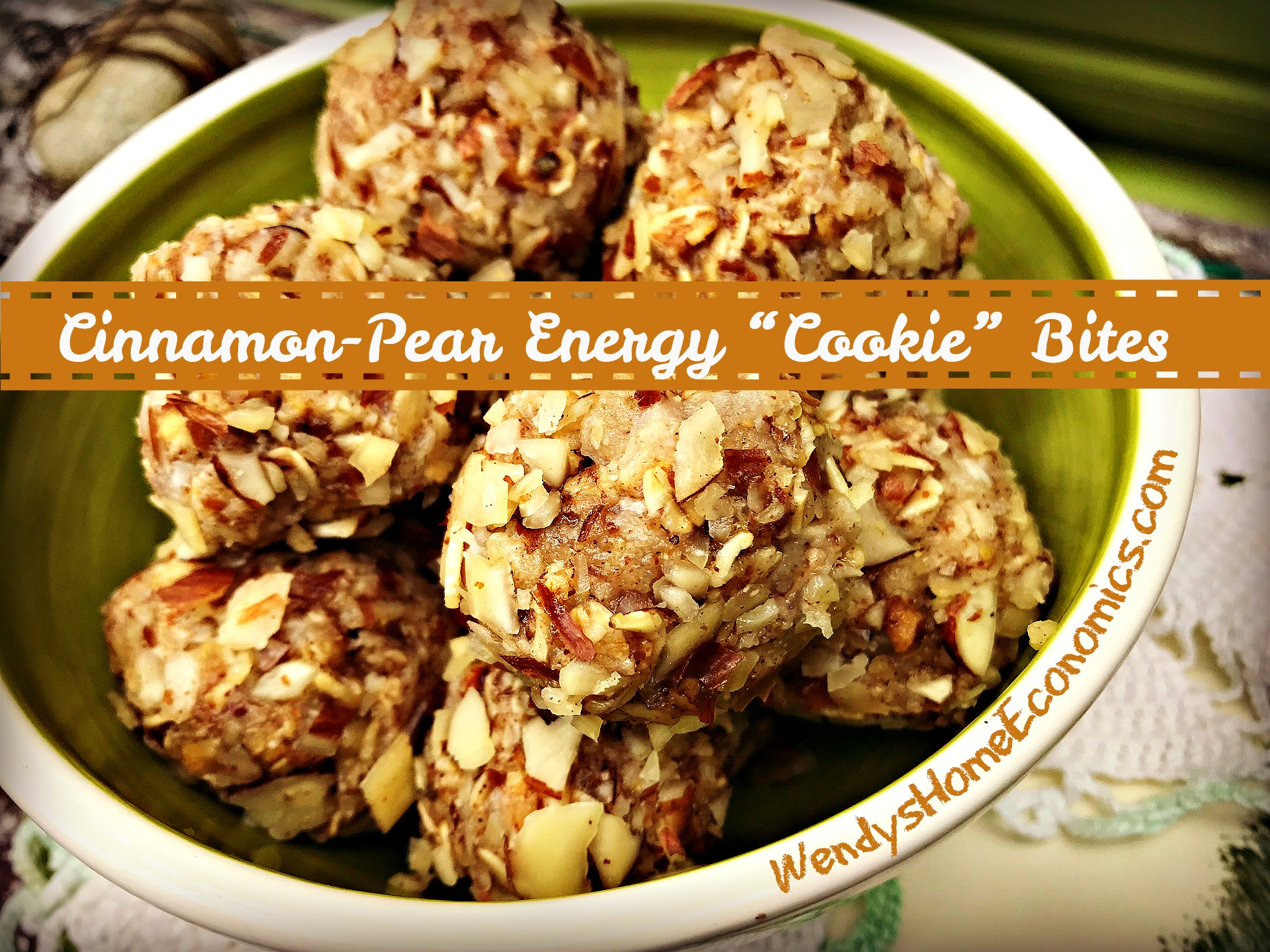 "Cinnamon-Pear Energy ""Cookie"" Bites"