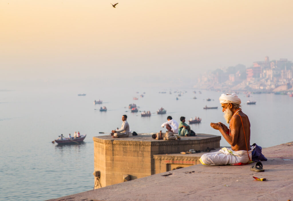 Varanasi_Pray_Sadhu