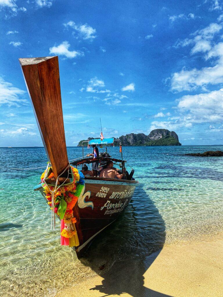 Isla Bamboo