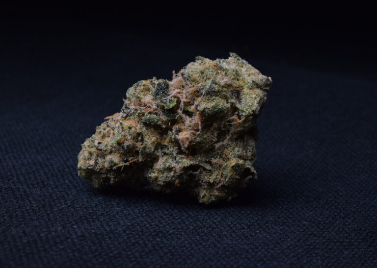 Farkas Farms - Rainbow Chip - Strain Close 2