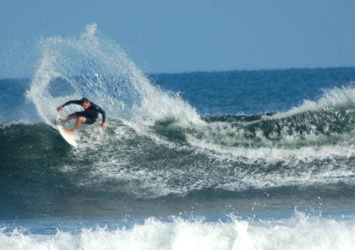 longboard-surfing-1
