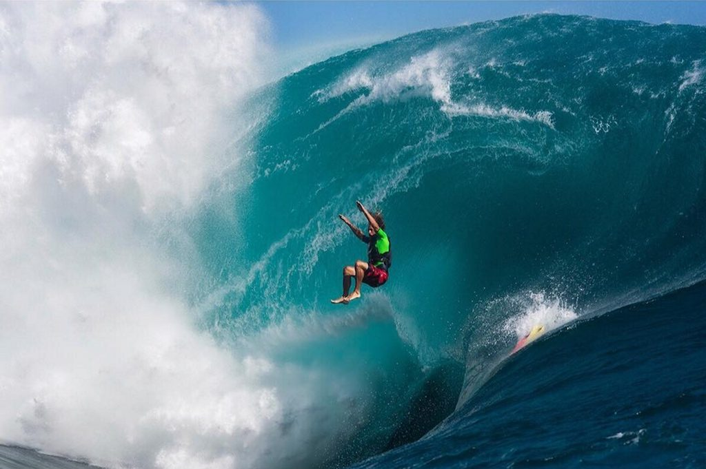 5 Insane Waves from 5 DifferentContinents