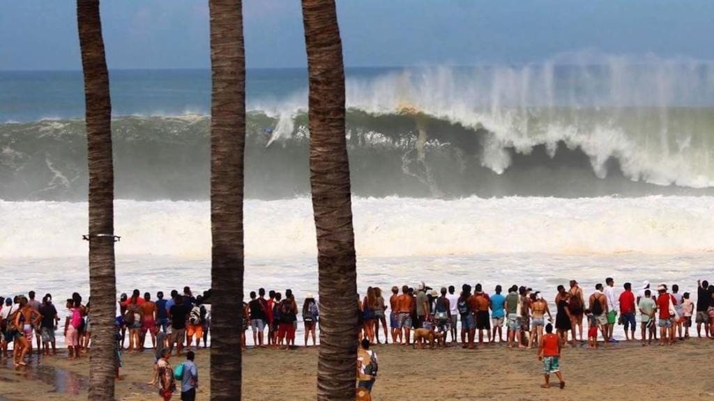 Puerto Big Wave Tour