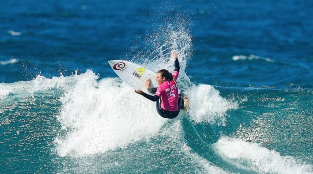 Nikki Van Dijk Claims Maiden CT Victory at Cascais Women's Pro