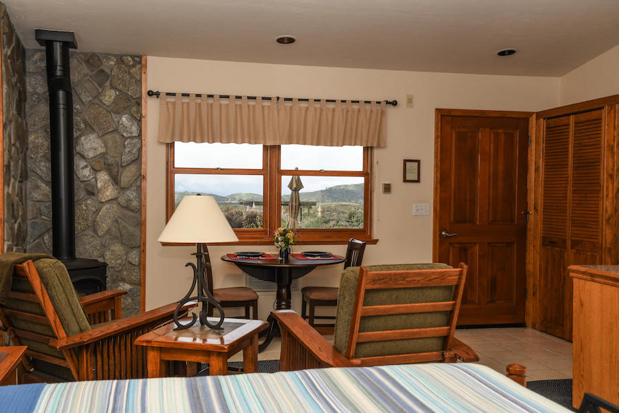Inn at the Pinnacles guest suite