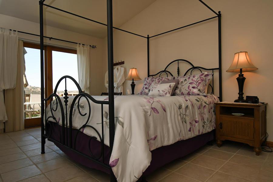 Manzanita Room B | Luxury Bed and Breakfast Inn