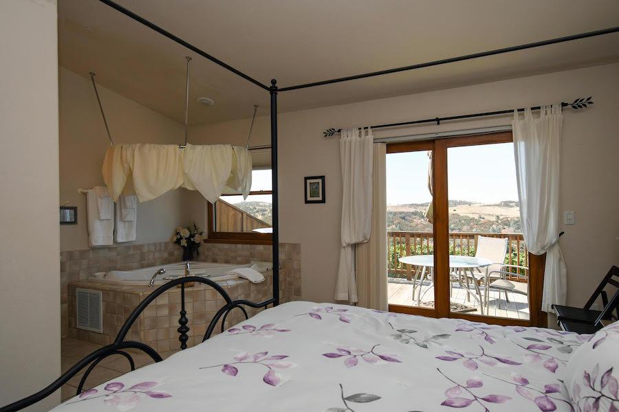 Manzanita Room D   Luxury Bed and Breakfast Inn