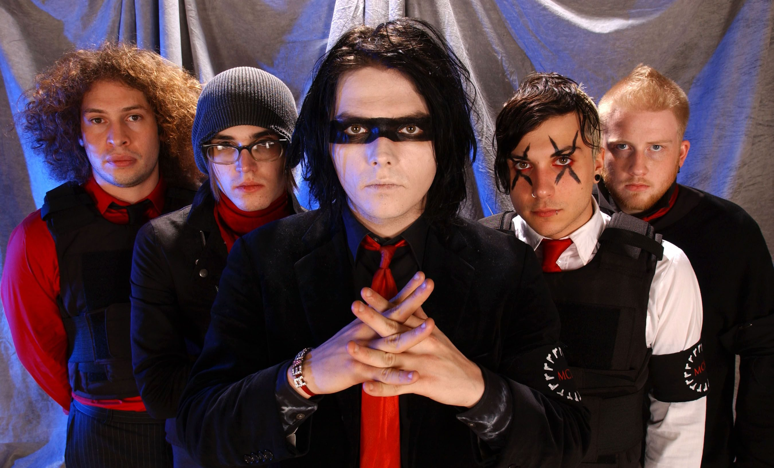MY CHEMICAL ROMANCE'S 'THREE CHEERS FOR SWEET REVENGE' RE-ENTERS BILLBOARD CHARTS