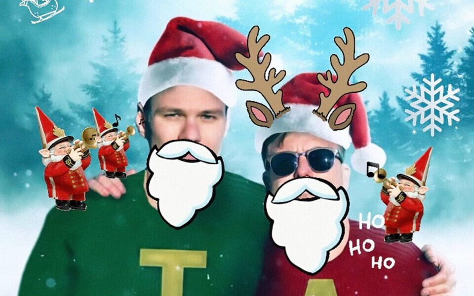 """TILIAN PEARSON & ANTHONY GREEN COVER ALVIN & THE CHIPMUNKS' """"CHRISTMAS DON'T BE LATE"""""""