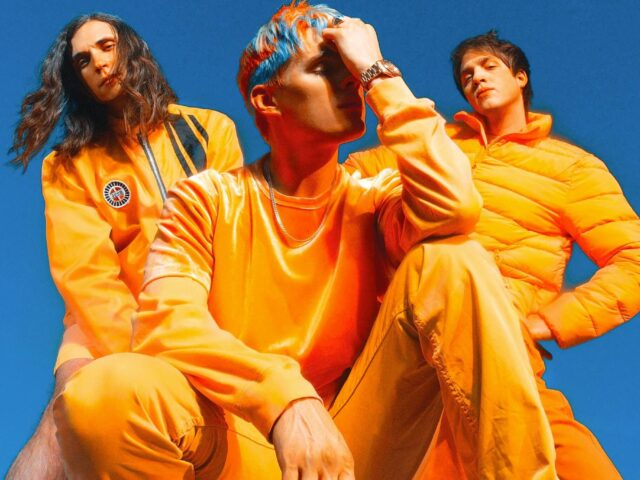 """WATERPARKS DEBUT NEW VIDEO FOR """"VIOLET!"""""""