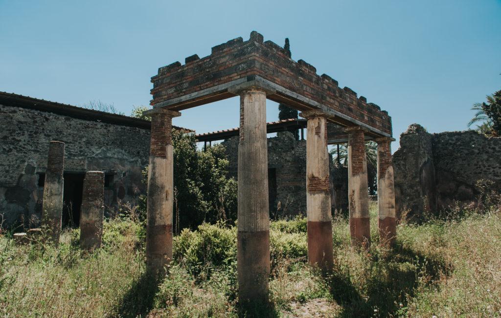 travel photographer - pompeii