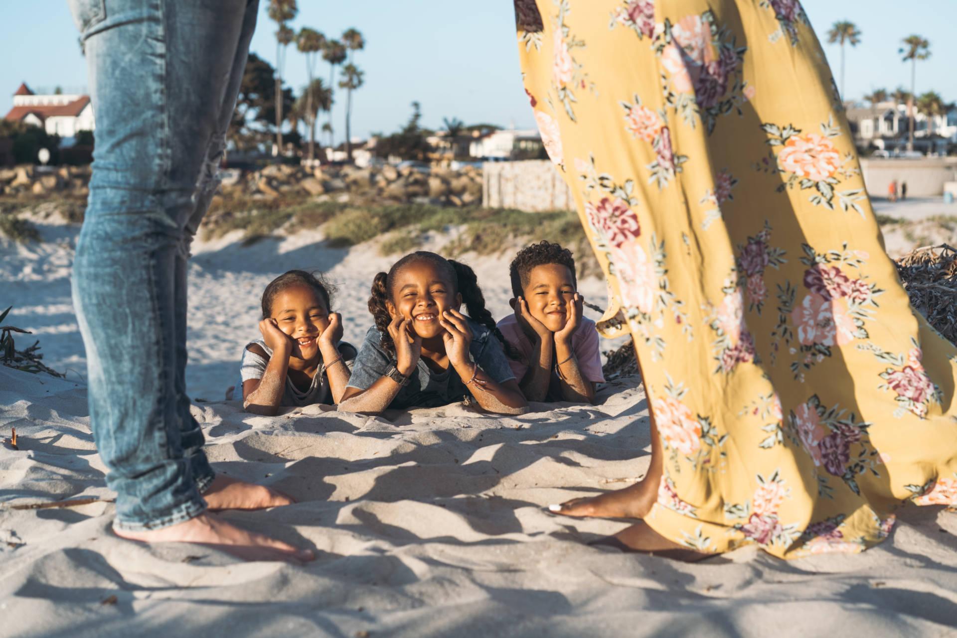 Coronado Beach San Diego: Family photos on the most gorgeous beach with the most magical sunset!