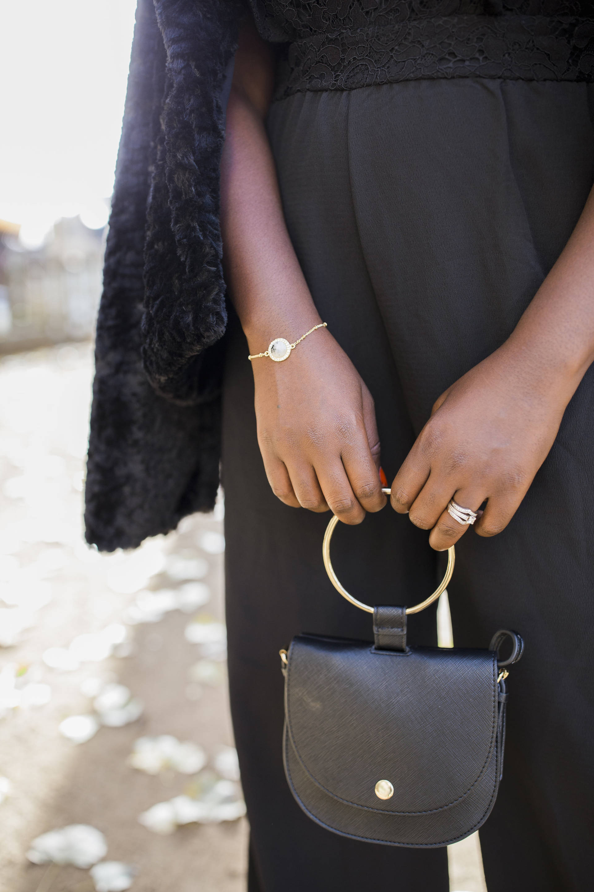 2 perfect ways to accessorize your Holiday look with elegance and style, featuring 7 Charming Sisters. Beautiful Jewels at an affordable price!