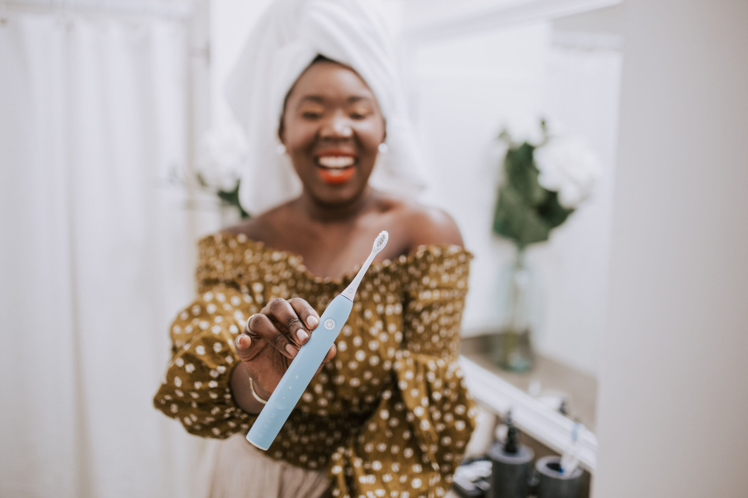Ruthie Ridley Blog:Smiling Bright With Gleem Rechargeable Toothbrush + Whitening Kit