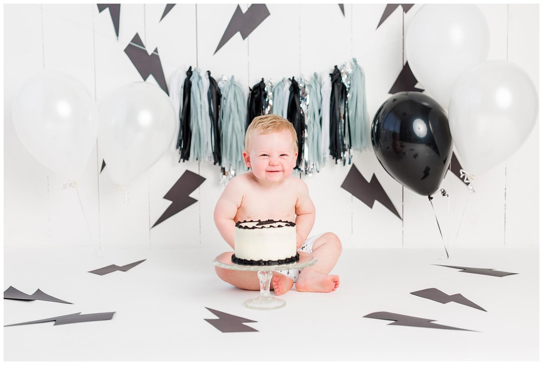 Black and white lightning themed cake smash first birthday sitter session | CB Studio