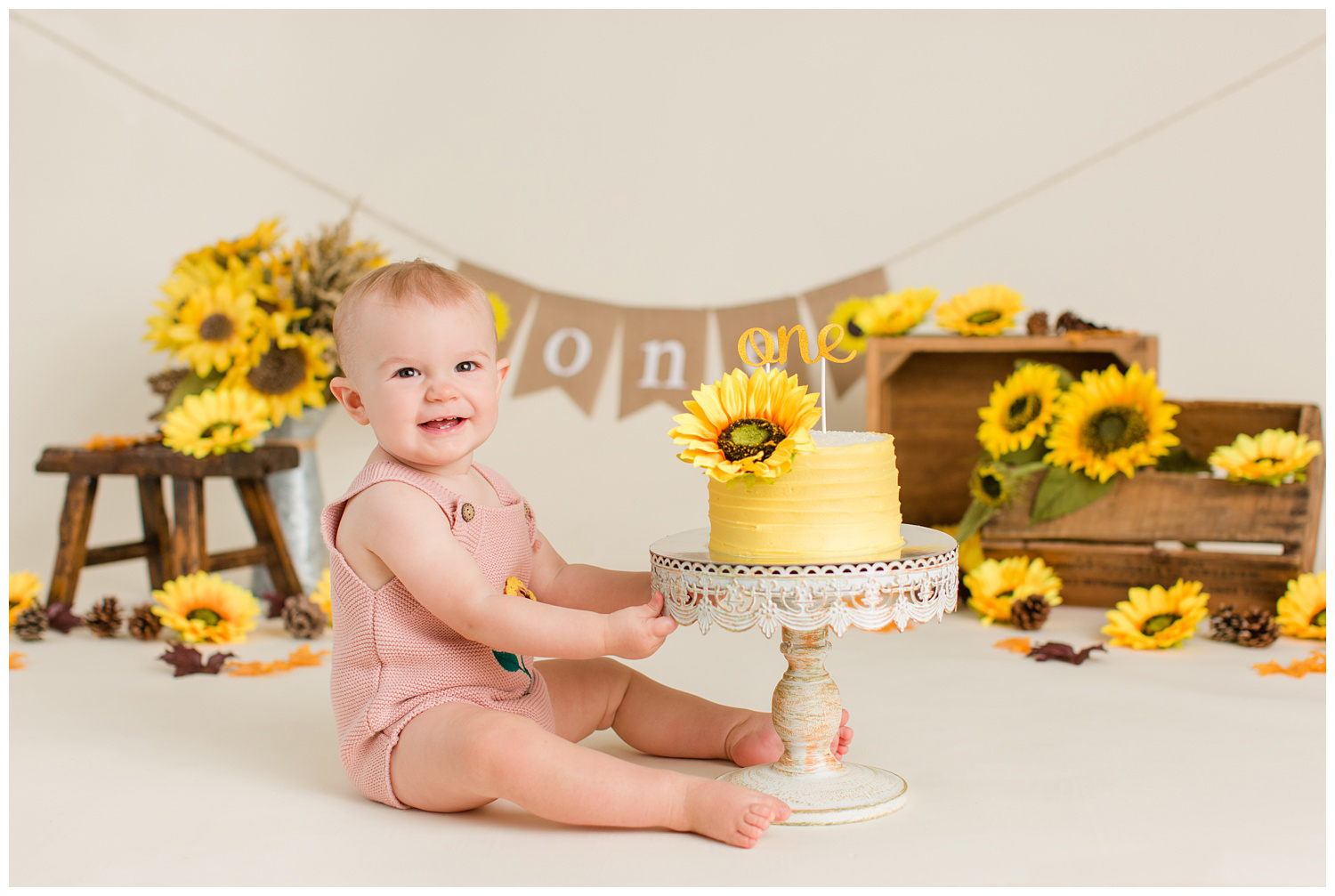 Sunflower themed cake smash photography session | CB Studio