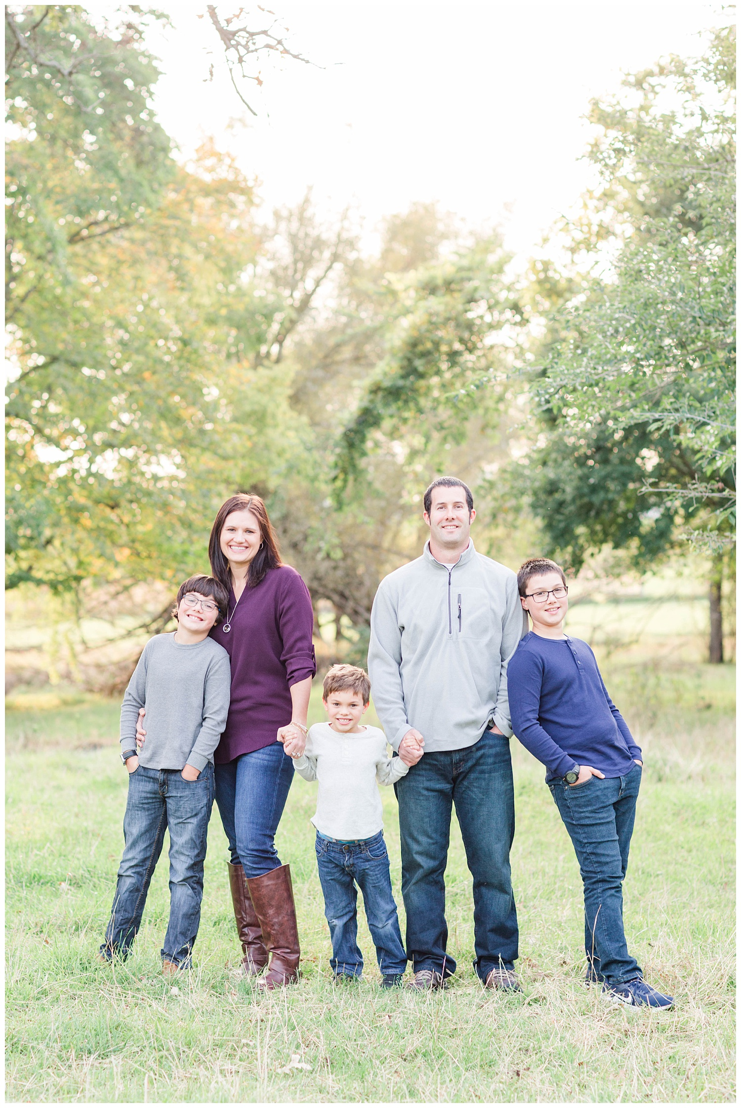 Family stands in a pasture in rural Iowa | CB Studio