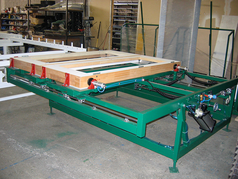 Tilting Assembly Table with Clamps