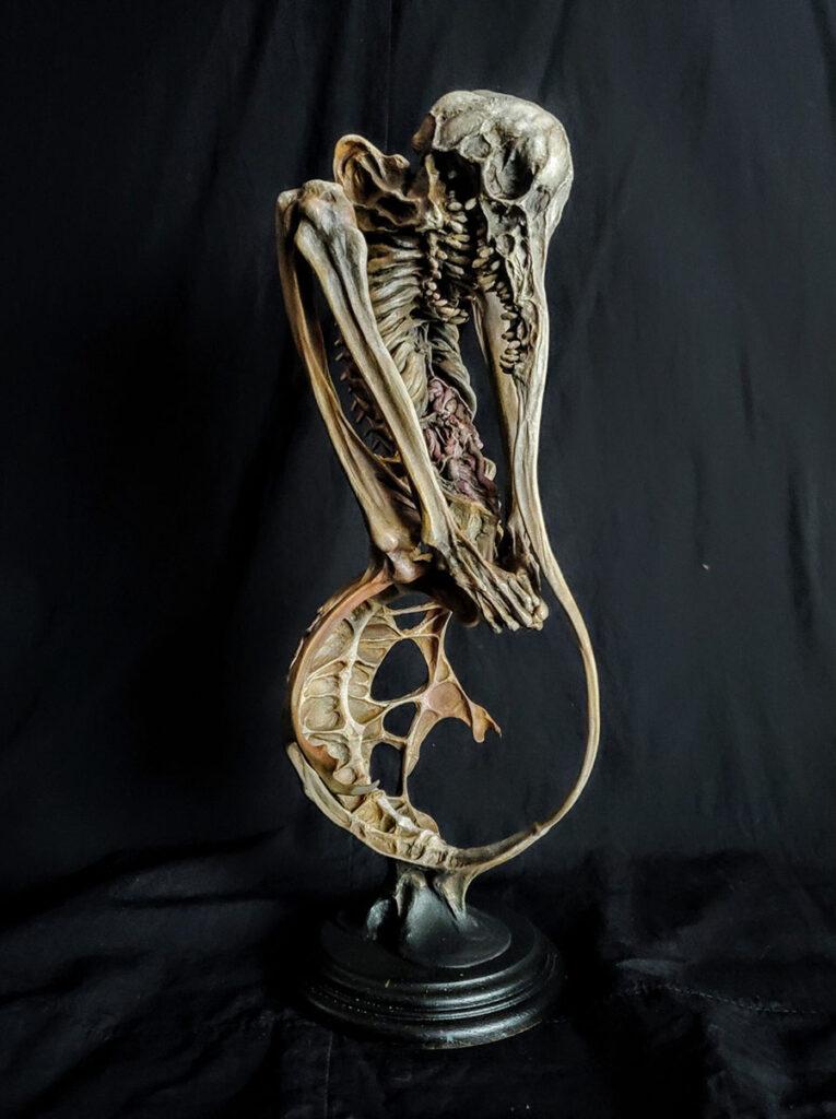 5891-Keisuke-Yoneyama-sculpture-resin-skeleton-900