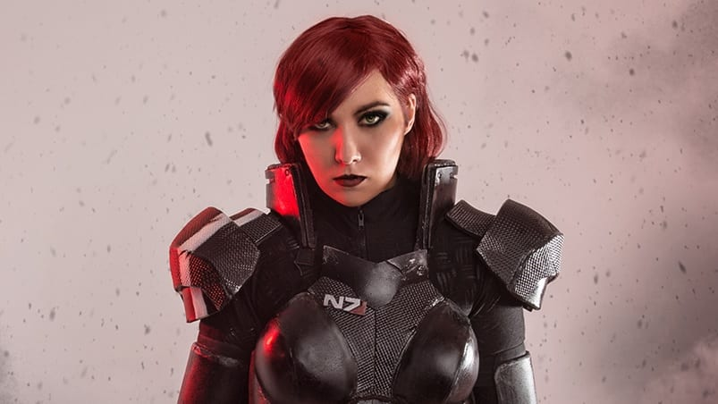 Mass Effect Cosplay Shows Off A Stunning Female Commander Shepard