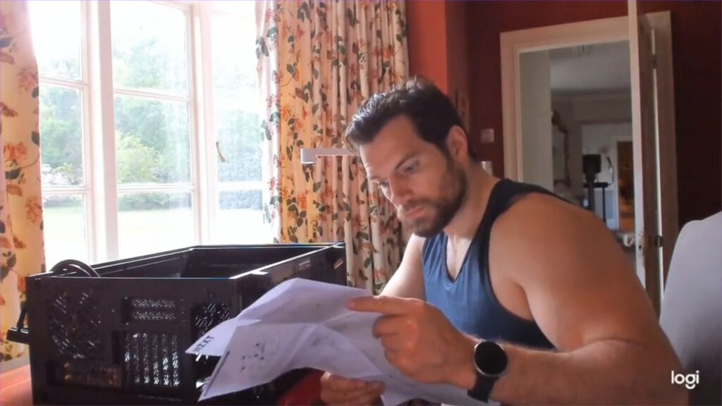 Henry Cavill Seductively Building His New PC Is The Best Thing You'll See All Week (VIDEO)
