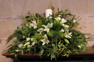 church-christmas-flowers