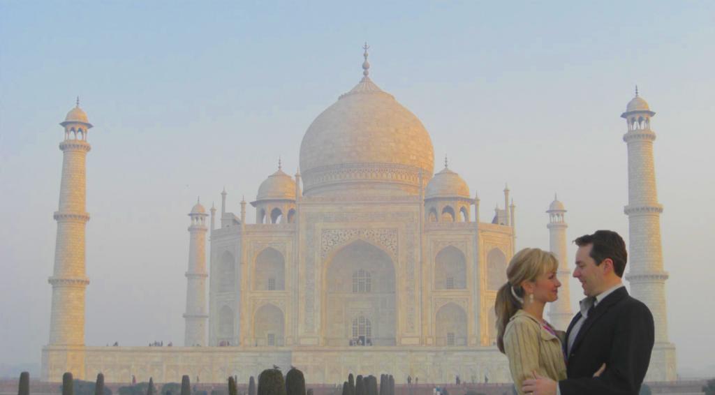 Taj Mahal travel when visiting India