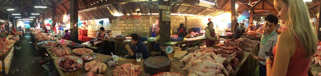 Laos travel - market in Luang Prabang