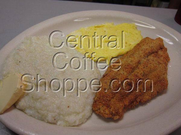central-coffee-shoppe-st-petersburg-fl-breakfast-fried-catfish-eggs-grits-04