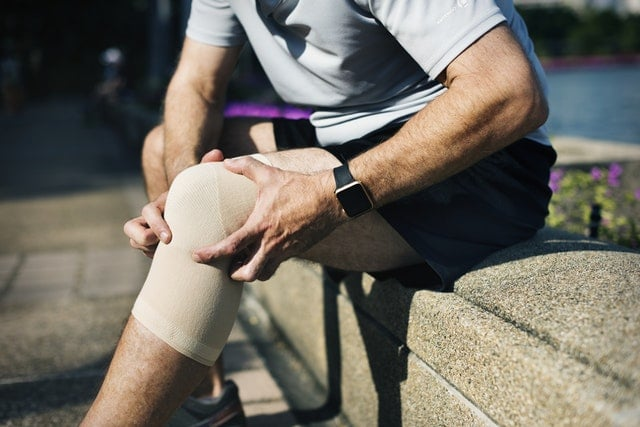 What Causes Sprains & Strains