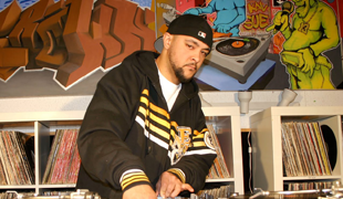 DJ Brown 13 Live On The Maschine