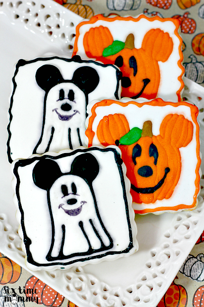 Homemade Spooktacular Mickey Mouse Halloween Cookies - sixtimemommy.com