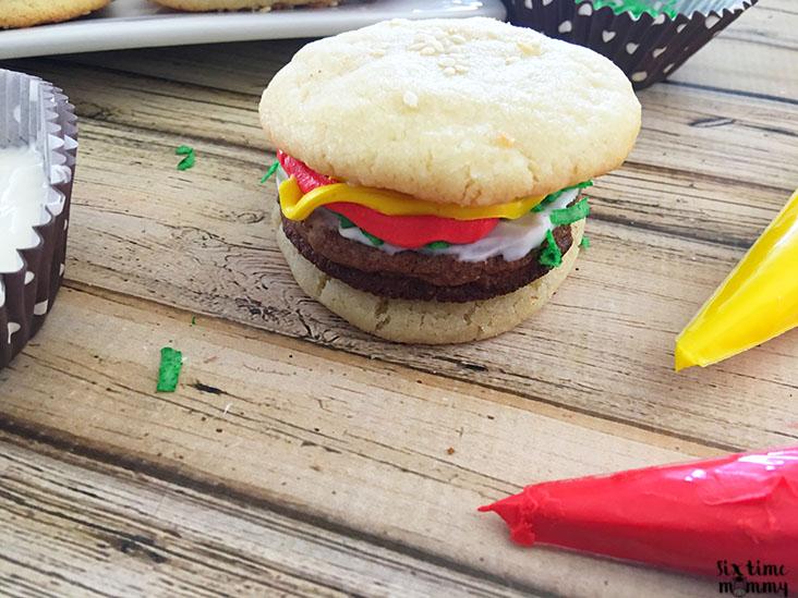 Fun & Delicious Hamburger Cookies - sixtimemommy.com