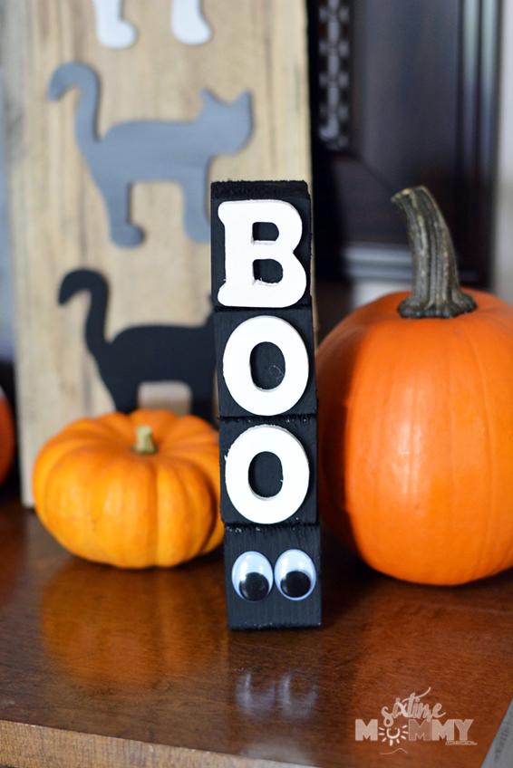DIY BOO Halloween Decoration Sign