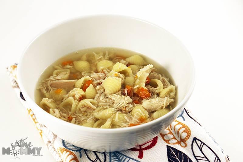Easy Crock Pot Chicken Soup - sixtimemommy.com