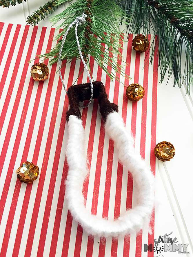 DIY Cookie Cutter Snowman Ornament - sixtimemommy.com