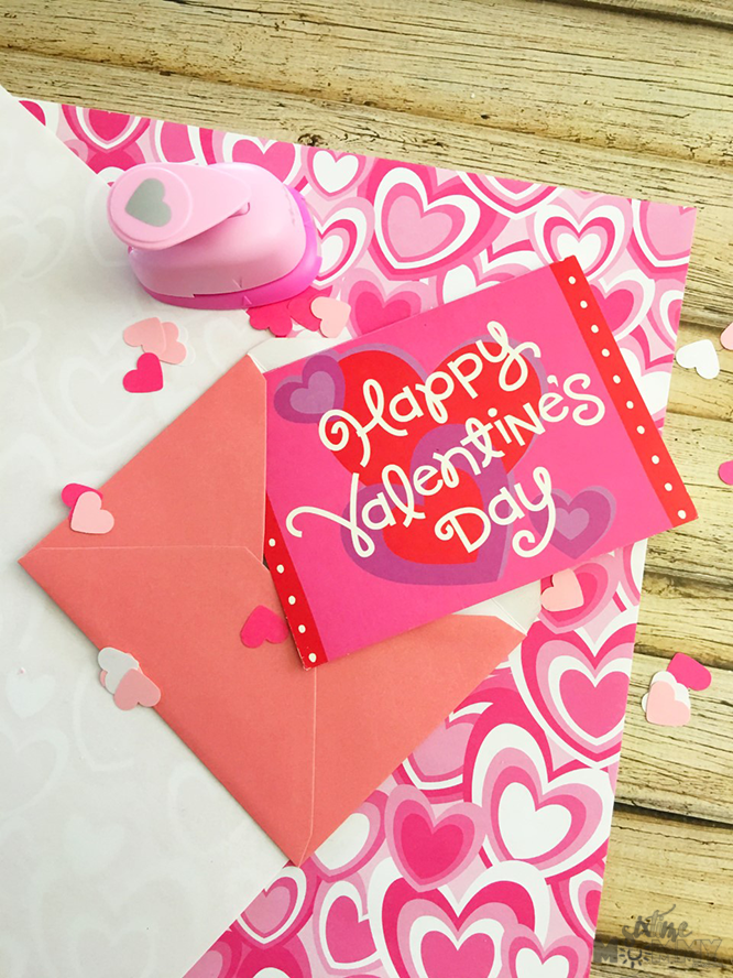 DIY Valentine's Day Card Confetti