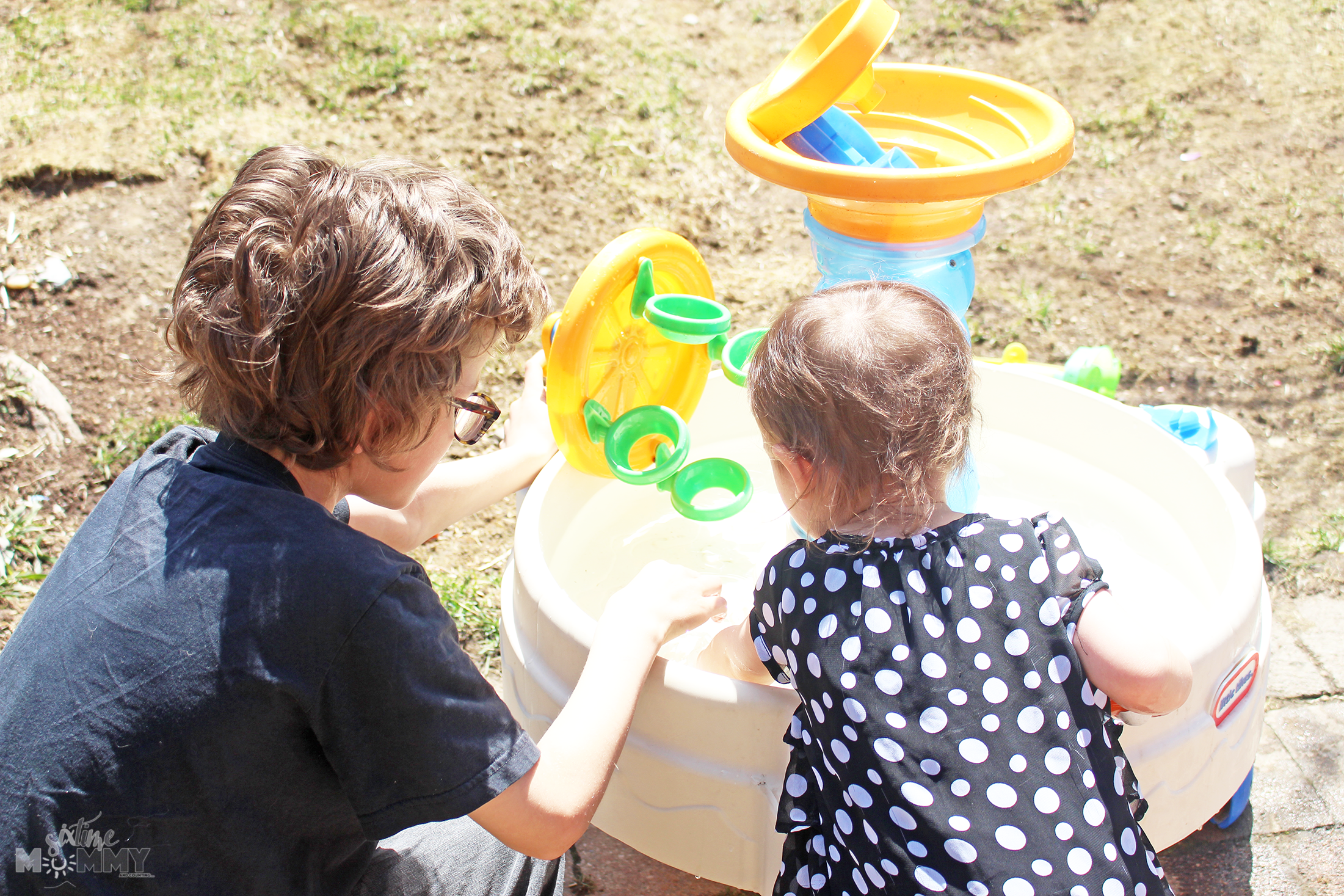 Fun Outdoor Activities For Kids That Toddlers Can Follow Along With During Spring & Summer