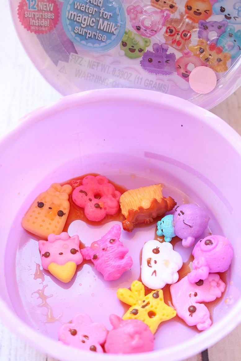 Num Noms Snackables Dippers and Cereal